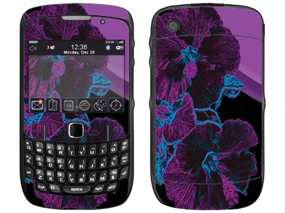 BlackBerry Curve 8520, 8530 Skin :: Cosmic Flowers 1
