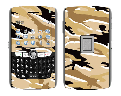 BlackBerry World 8800 Skin :: Camo Desert