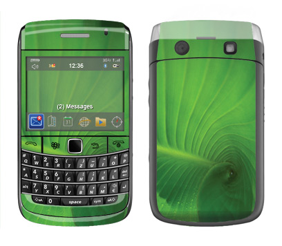 BlackBerry Bold 9700 Skin :: Spiraling Green