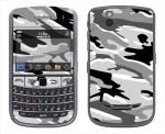 BlackBerry Bold 9650 Skin :: Camo Snow