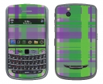 BlackBerry Bold 9650 Skin :: Punk Rock Plaid