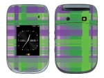 BlackBerry Style 9670 Skin :: Punk Rock Plaid